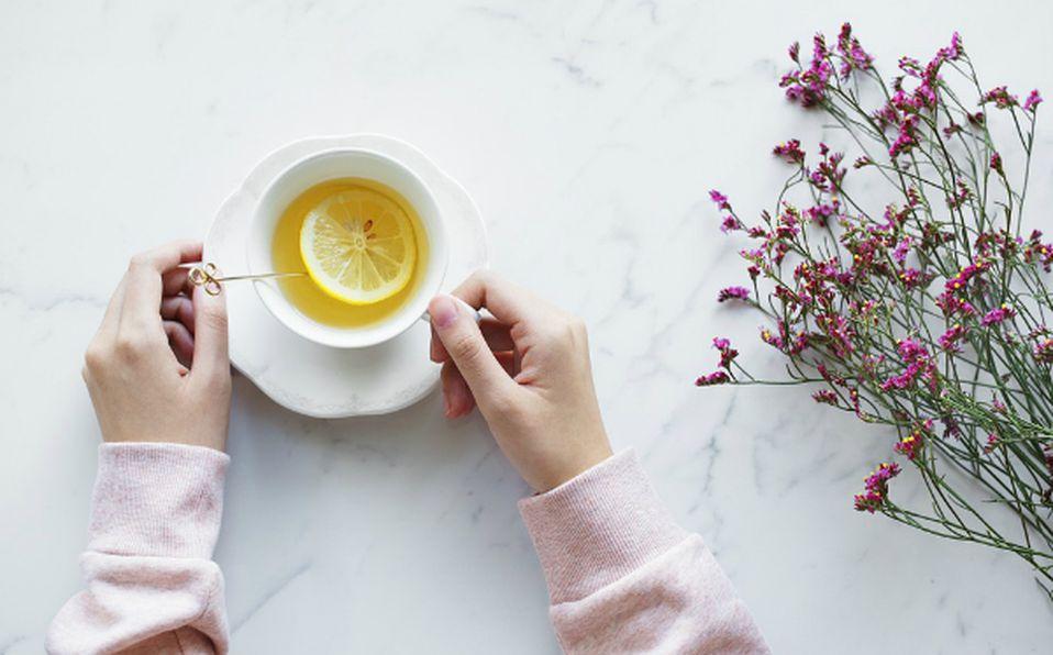 Té de limón para bajar de peso