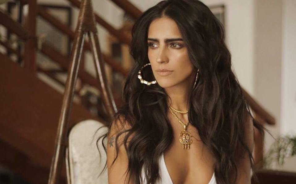 Bárbara de Regil sorprendió por su look  (Instagram).