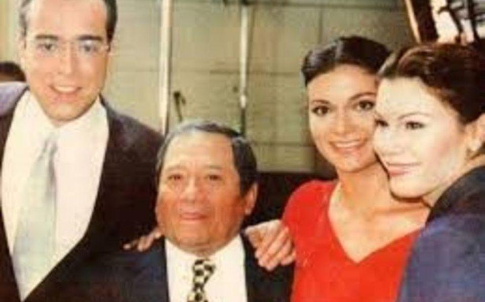 Armando Manzanero cantando en Yo soy Betty, la fea