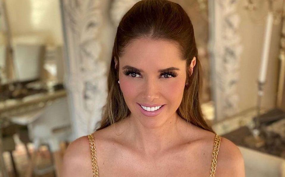 Marlene Favela se llevó los aplausos con su look (Instagram).