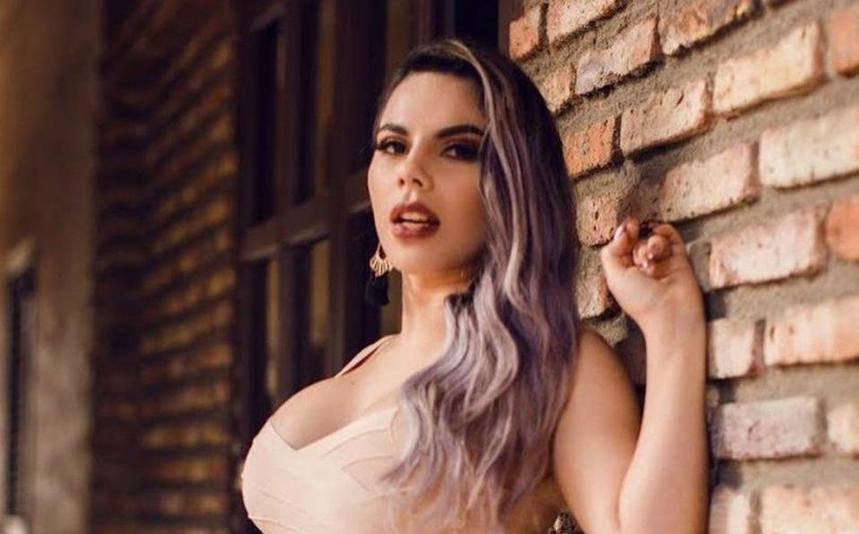 Lizbeth Rodríguez causa controversia dejando ver su delgada cintura