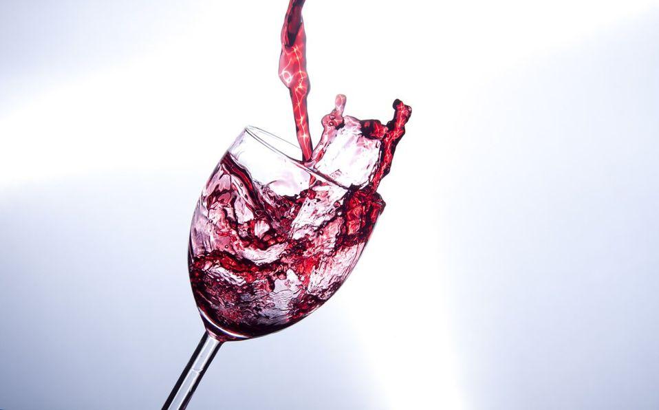 Beneficios De Tomar Una Copa De Vino Tinto En Las Noches