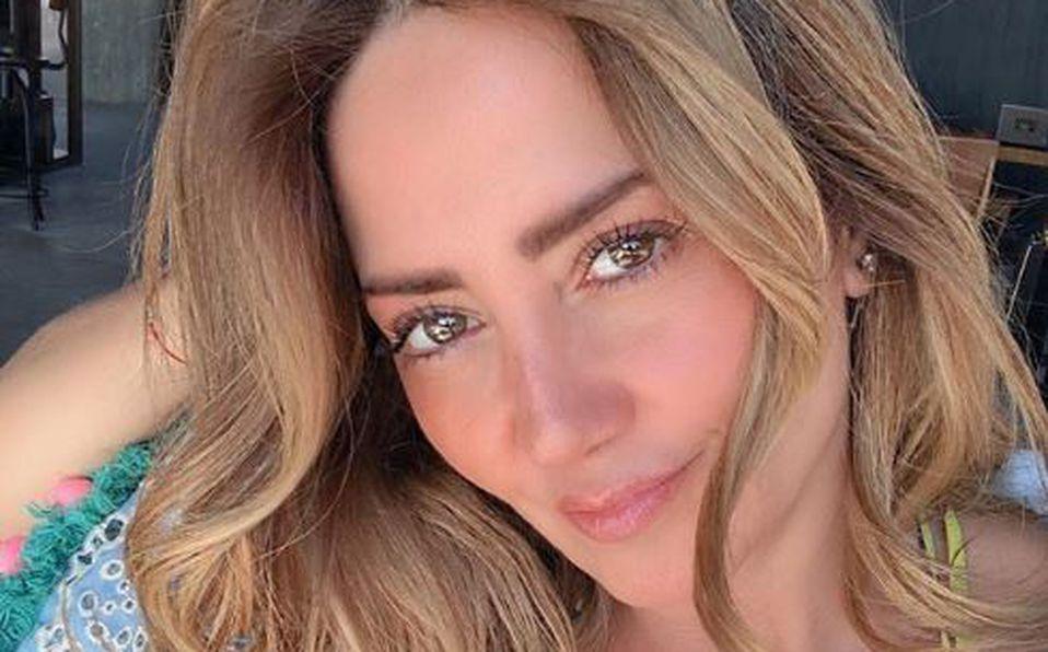 Andrea Legarreta envía mensaje de amor propio en bikini