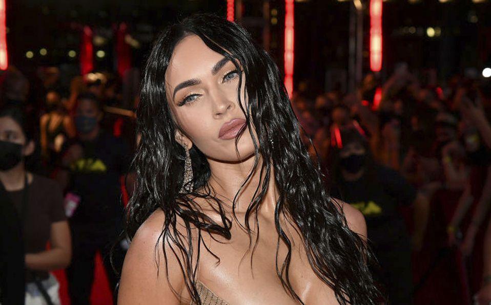 Megan Fox impacta con su vestido transparente en los MTV VMA 2021
