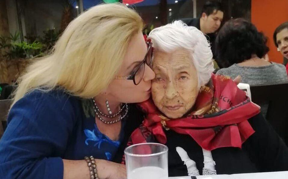 Laura Zapata aseguró que no puede trasladar a su abuela (Instagram).