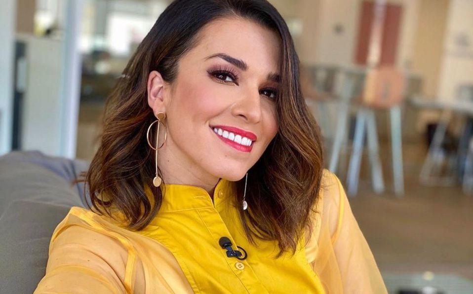 Critican a Laura G en redes por imitar a Selena Quintanilla