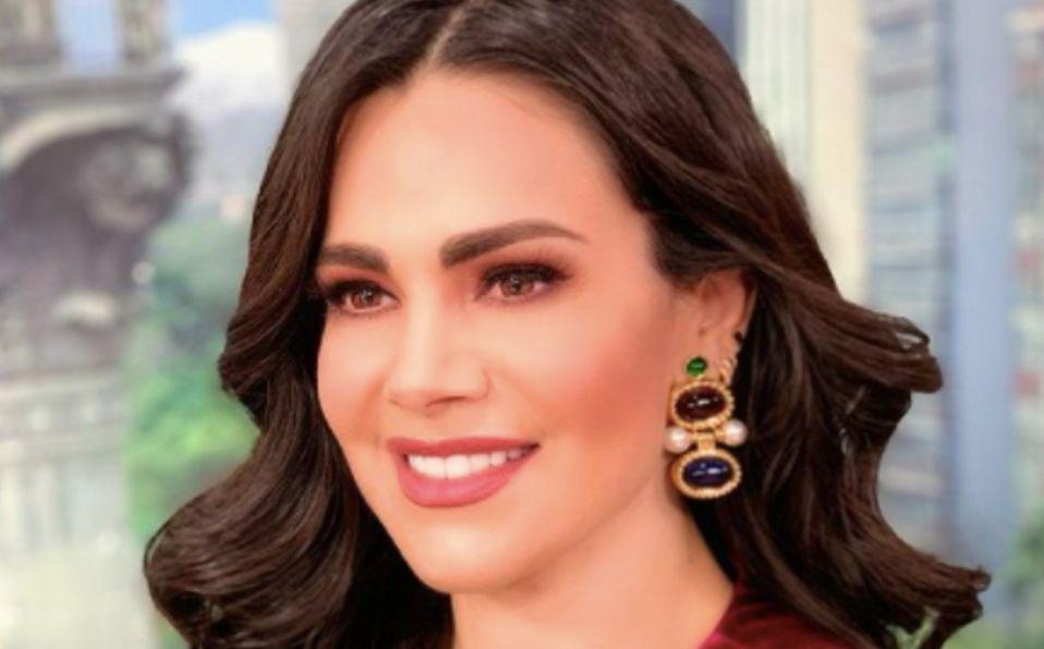 Luz Elena González luce body mientras hace ejercicio