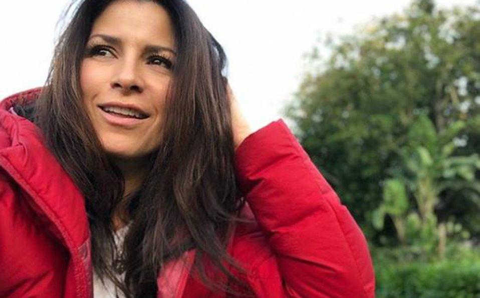 Alessandra Rosaldo en la alfombra roja de Dora la Exploradora