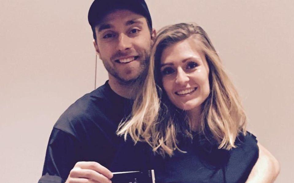 Sabrina Kvist Jensen es la esposa del jugador que se desvaneció en el terreno de juego (Instagram)