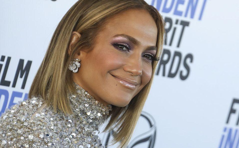 Jennifer Lopez muestra su musculosa figura sin ropa  (Getty).
