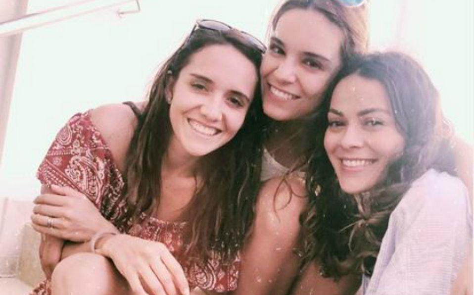 Así de guapas se ven en bikini Tania, Cindy y Mariana de 'Venga la Alegría' con sus hijos