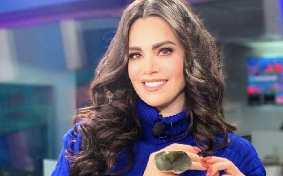 Luz Elena González posa al natural en un jacuzzi, foto