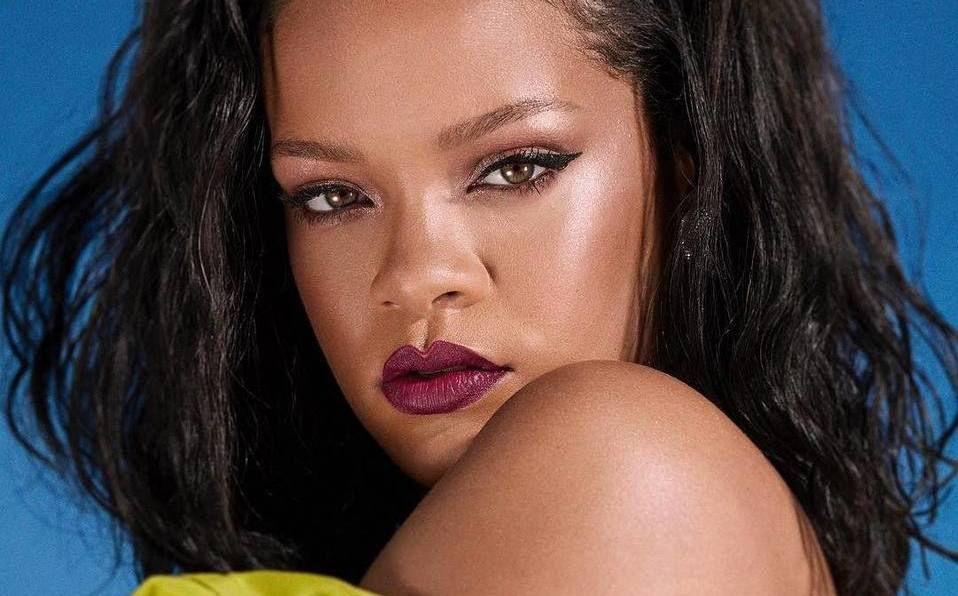 Rihanna volvió a sorprender con su increíble silueta (Instagram).