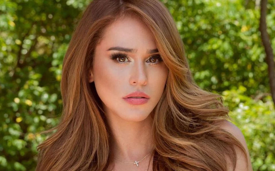 Yanet García enamoró a todos con su look