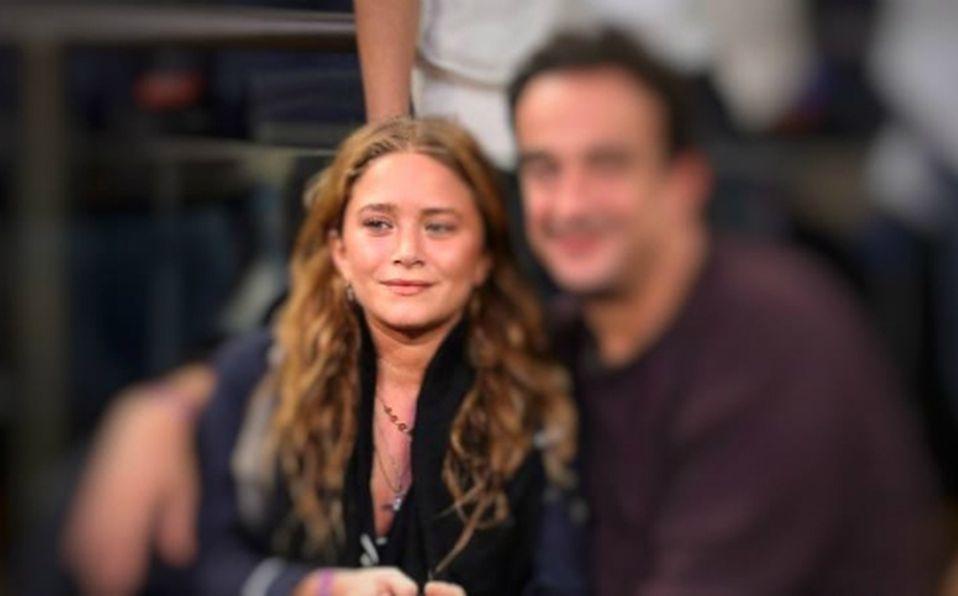 Él es el desconocido esposo de Mary Kate Olsen, 17 años mayor que ella