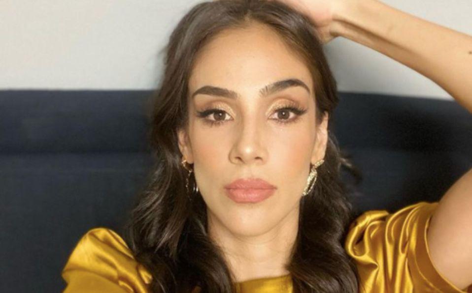 Sandra Echeverría luce vestido de lentejuelas