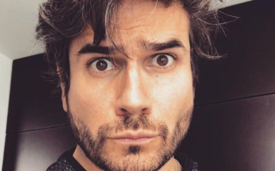Javier, él es el hermano piloto de Daniel Arenas