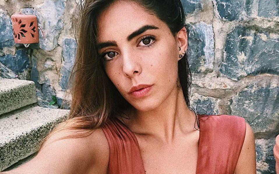 María Levy posa en desnudo artístico y envía mensaje de amor propio