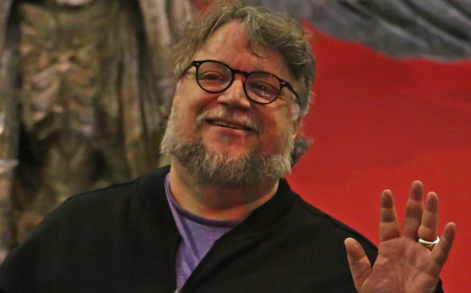 Guillermo del Toro convence a aerolínea para que apoye a mexicanos (Cuartoscuro).