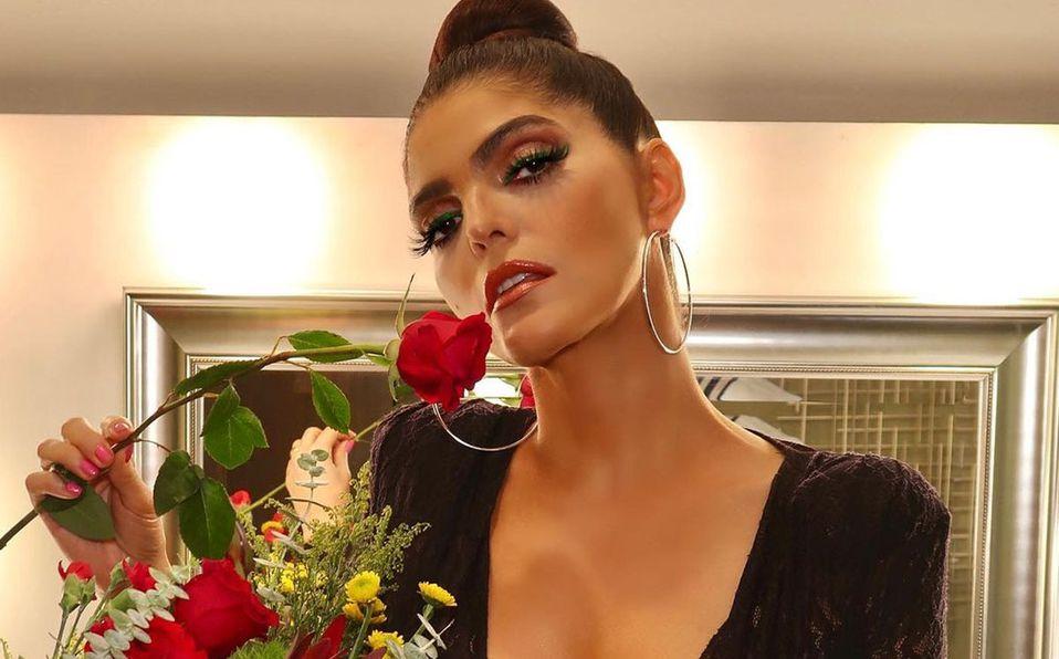 Ana Bárbara se llevó los aplausos con su look (Instagram).