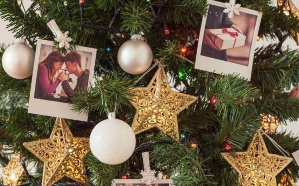 ¿Cómo poner un árbol de Navidad en la pared?