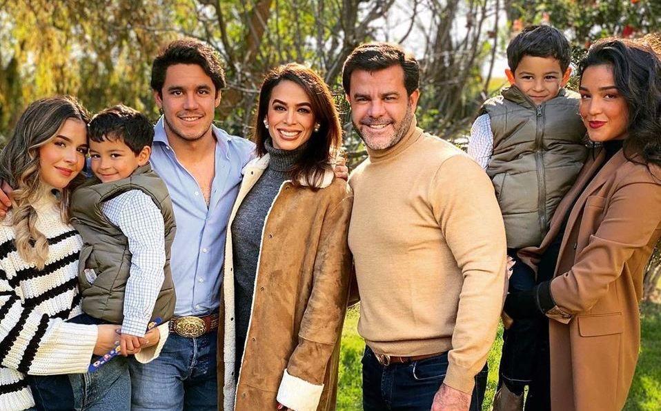Biby Gaytan, Eduardo Capetillo, reality show, televisión, programa, familia