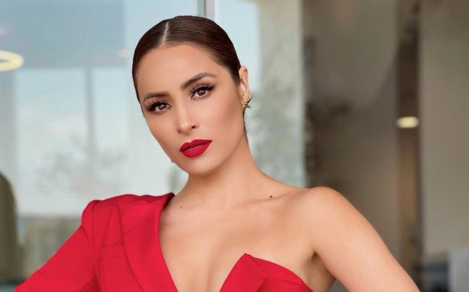 Cynthia Rodríguez impresionó a sus fans con vestido rojo (Instagram)