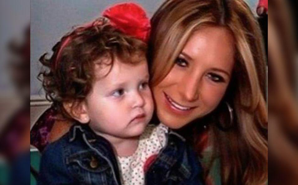 Geraldine Bazán suele compartir constantemente fotografías junto a su hija (Instagram).