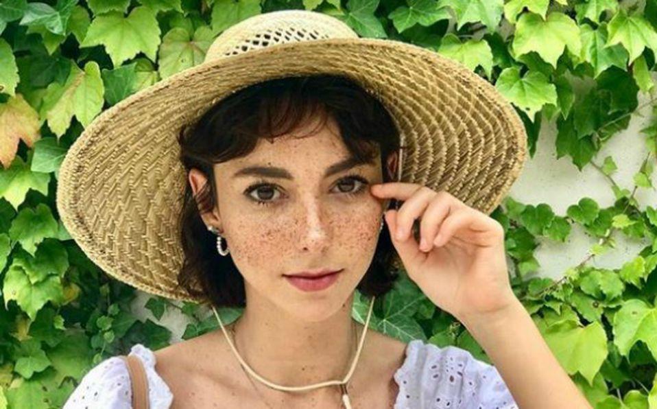 Natalia Téllez es criticada por su foto de niña