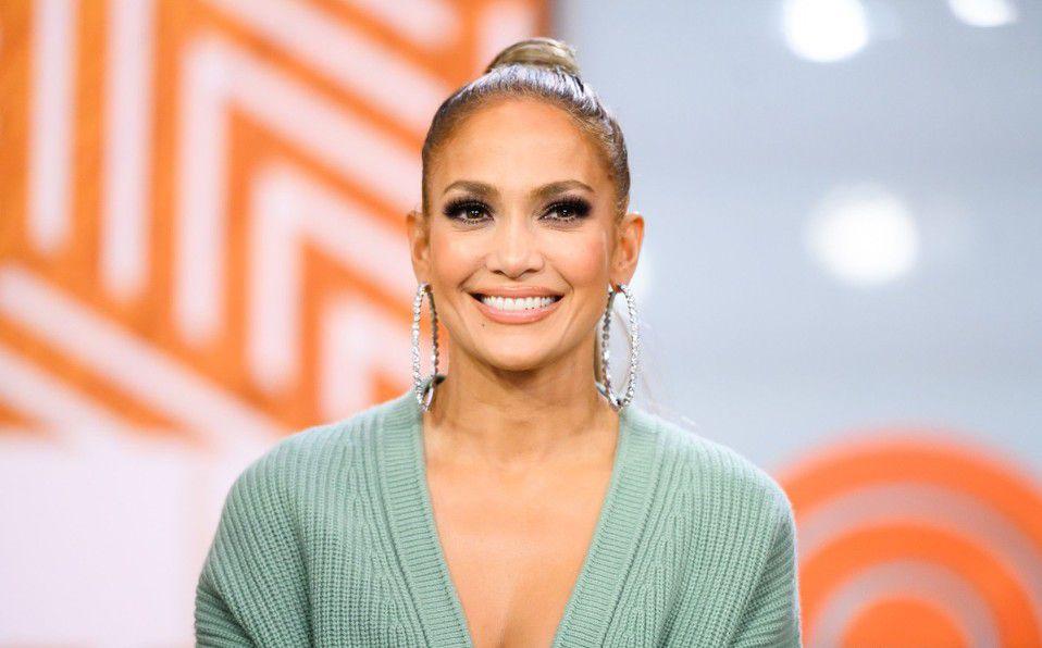 Jennifer Lopez impresiona luciendo más joven que nunca con nuevo look