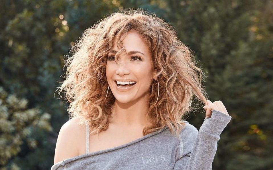 Jennifer Lopez impactó con su look casual (Instagram).