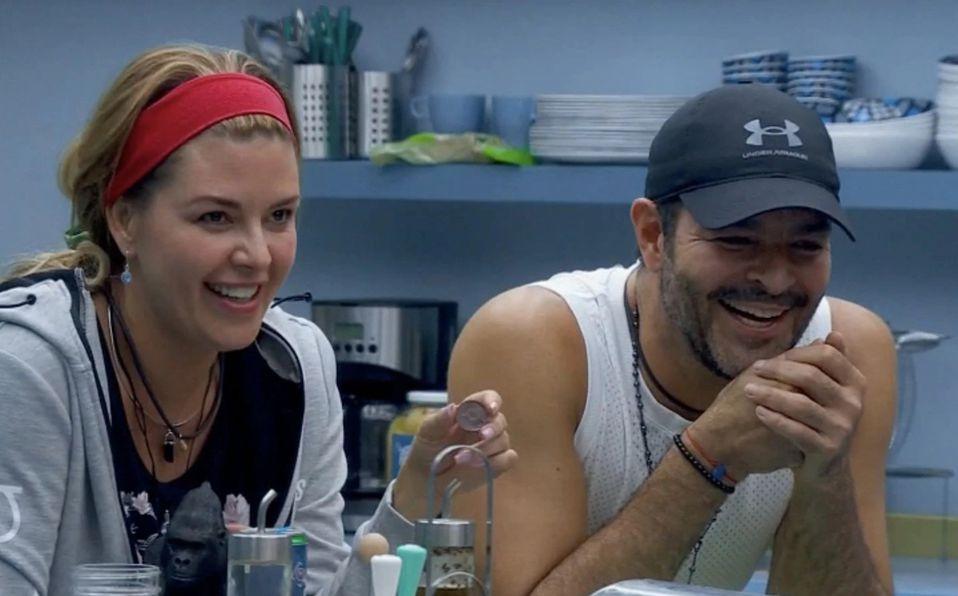 Alicia Machado y Pablo Montero reviven su romance con un beso