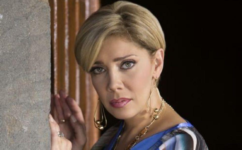 Cynthia Klitbo llora al separarse de su novio Rey Grupero