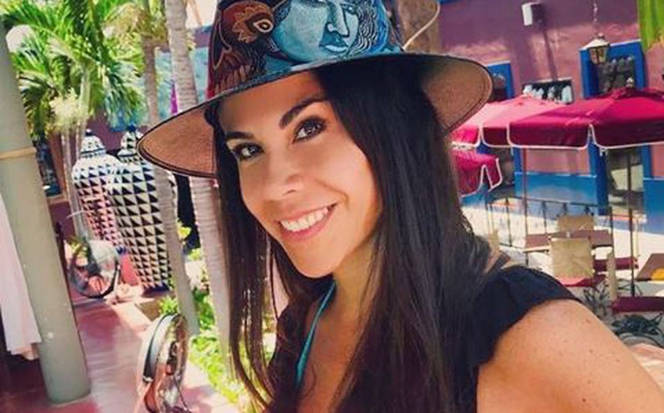 Paola Rojas y su video en bikini con corales
