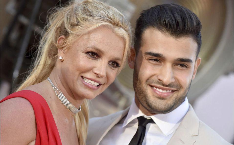 Britney Spears y Sam Asghari se comprometieron (Getty).