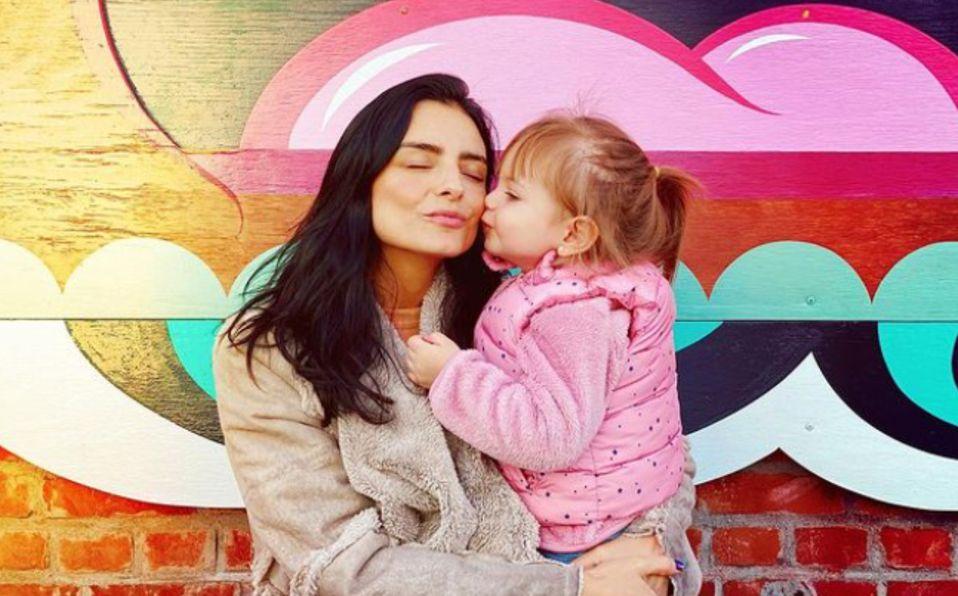 Aislinn Derbez revela el verdadero significado de Kailani, el nombre de su hija
