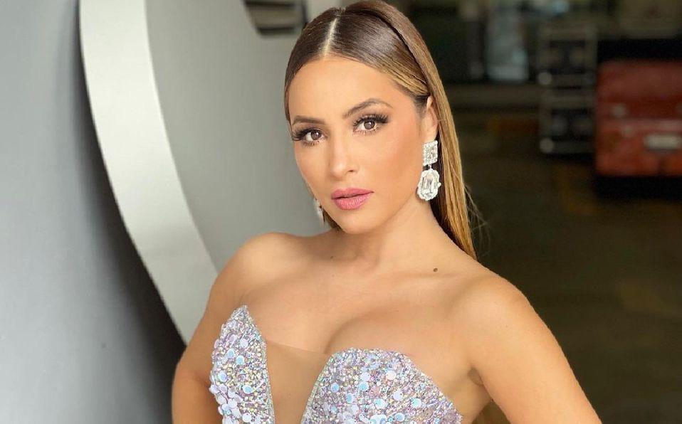Cynthia Rodríguez- vestido halter