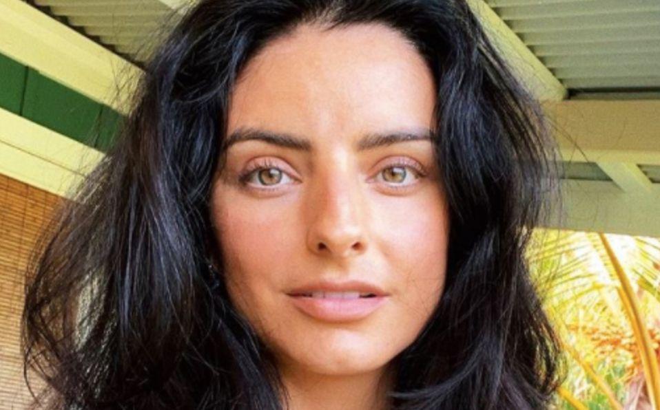 Aislinn Derbez posa en lencería y la comparan con Penélope Cruz