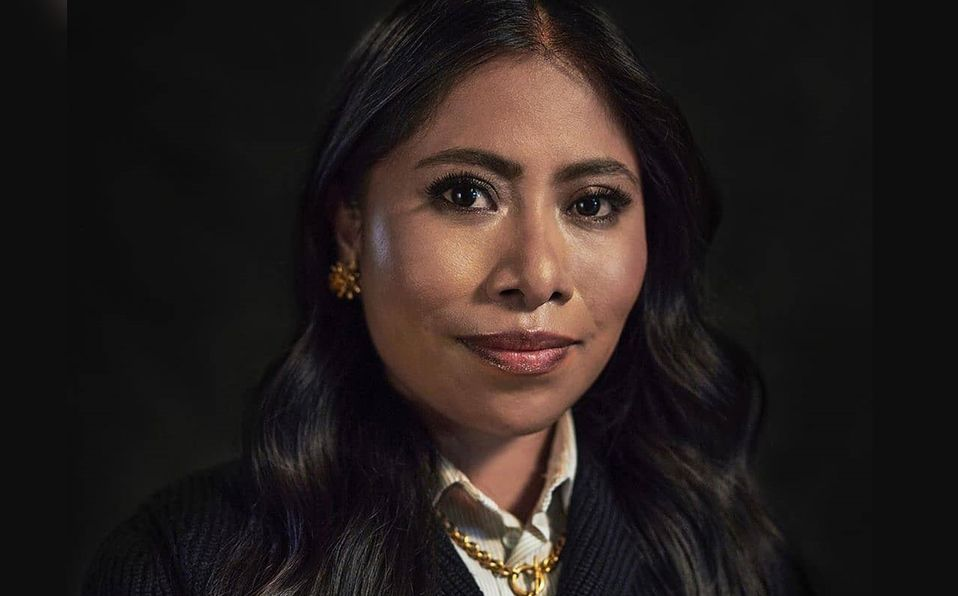 Yalitza Aparicio apareció en la premiación junto a Tenoch Huerta (Instagram).