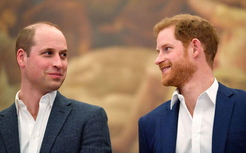 Harry pierde sus títulos reales y revelan molestia con William