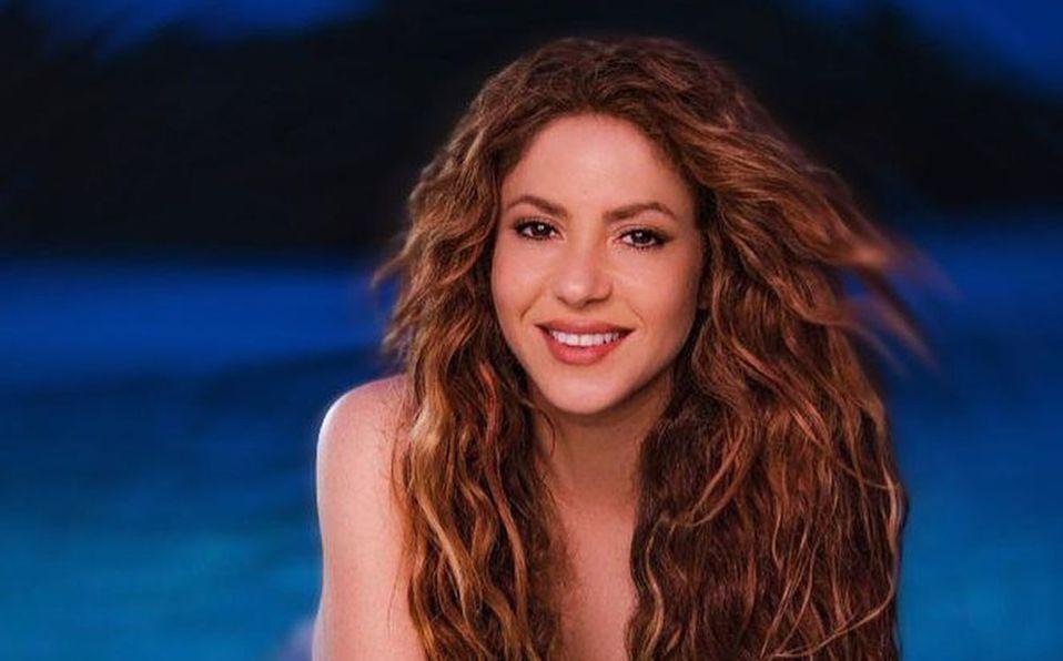 Shakira lució espectacular en la portada de la revista (Instagram).