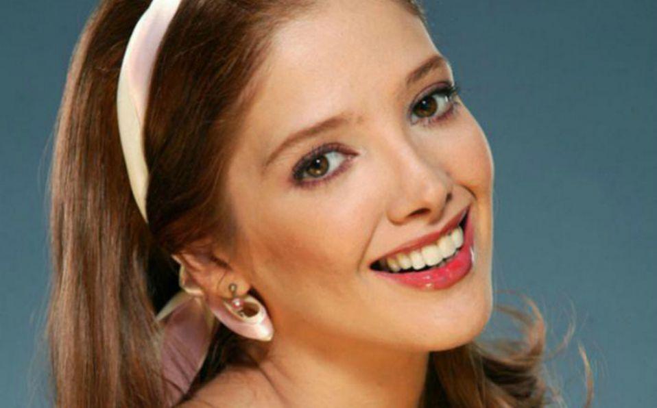 Ella es la guapa y desconocida hermana de Adela Noriega