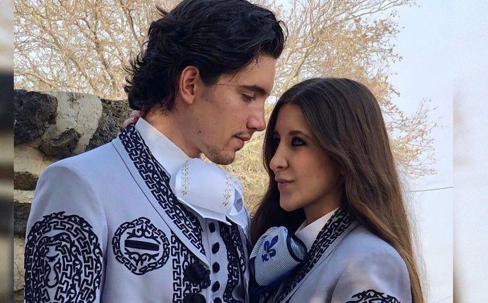Alex Fernández reveló las primeras imágenes de su compromiso (Instagram).