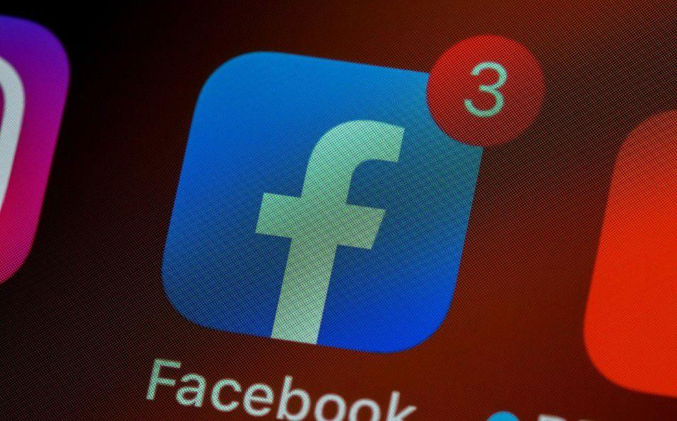 ¿Cómo usar Facebook en modo oscuro en iOS y Android?