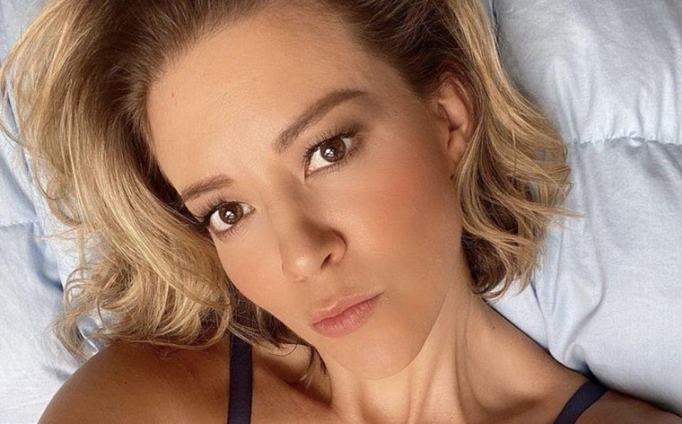 Fernanda Castillo promueve la lactancia materna con tierna foto amamantando
