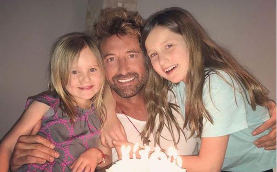 Hijas de Geraldine y Gabriel Soto se quedarán con él, y cuestionan convivencia con Irina Baeva