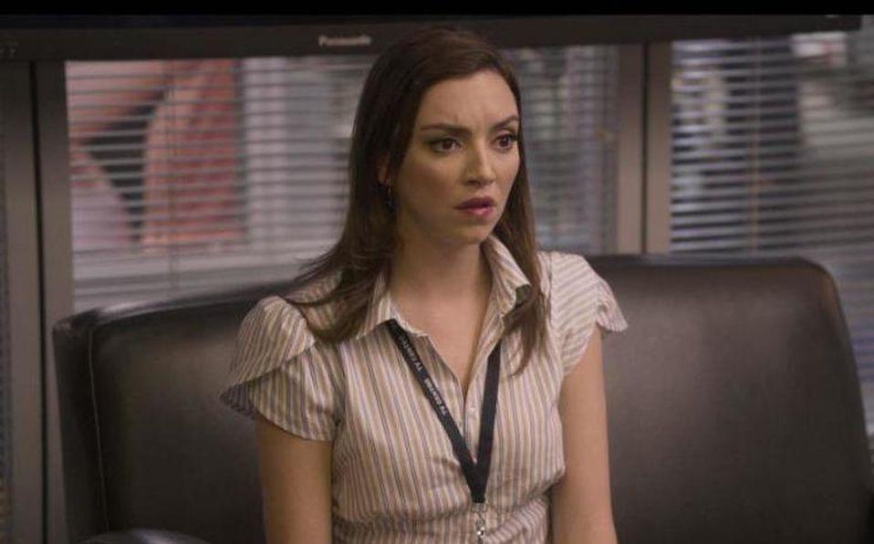 Regina Blandón interpreta a una periodista en la serie de Netflix (Instagram).
