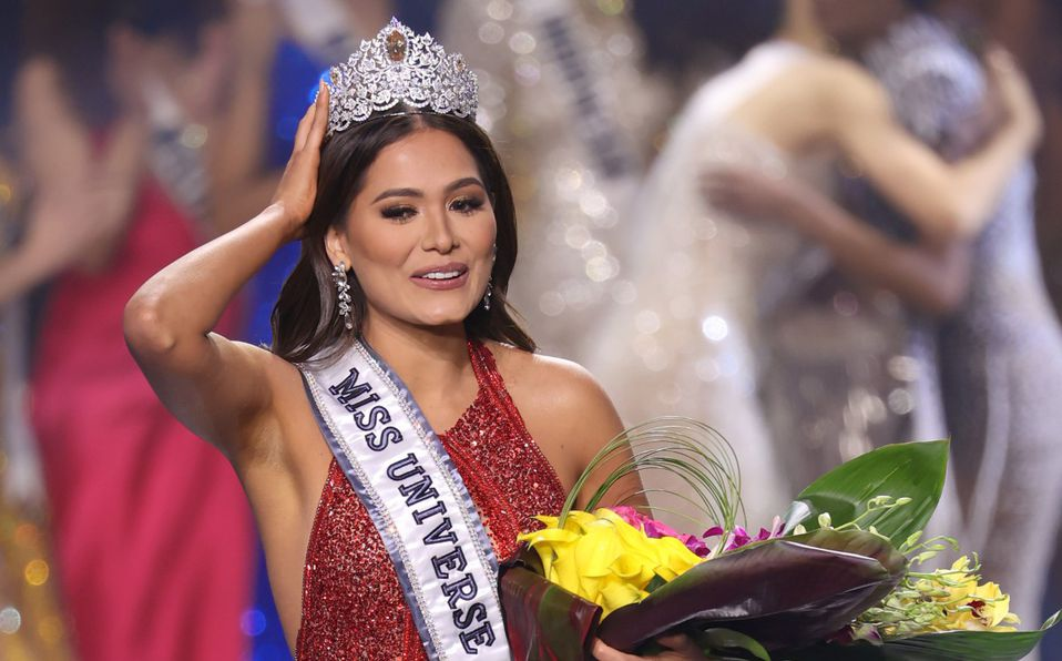 Quién es Andrea Meza, la mexicana que se coronó en Miss Universo 2021